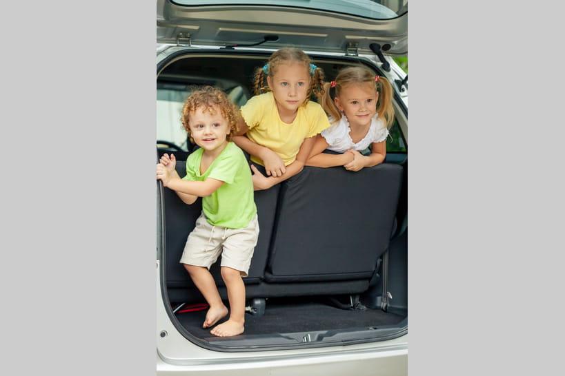 a quel moment un enfant peut monter devant en voiture voitures. Black Bedroom Furniture Sets. Home Design Ideas