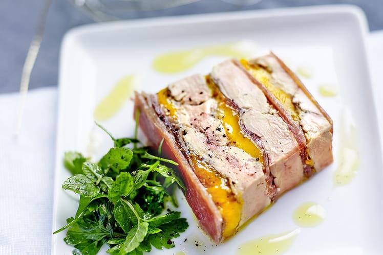 Terrine de foie gras poêlé, mangue, Jambon de Bayonne et gelée de sauternes au poivre de Timut