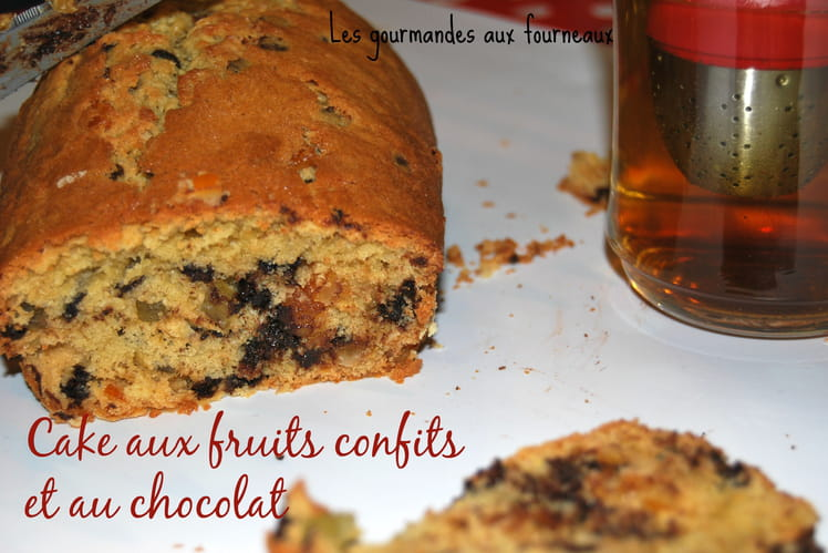 Cake aux fruits confits et au chocolat