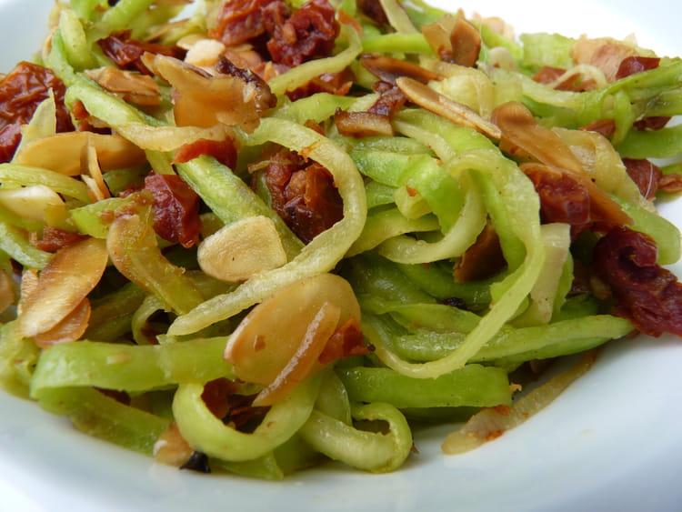 Recette de tagliatelles de courgettes tomates s ch es amandes la recette facile - Cuisiner les tomates sechees ...