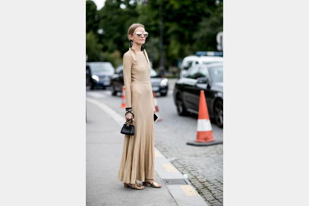 Street style à Paris : le beige chic