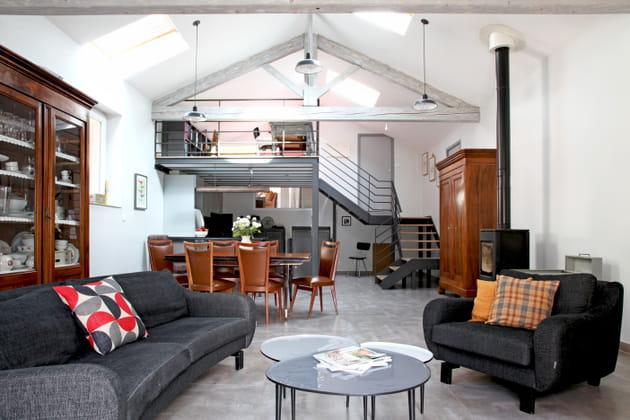 gris jet. Black Bedroom Furniture Sets. Home Design Ideas