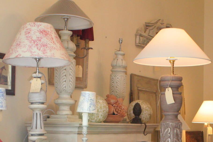 comment patiner un pied de lampe en bois. Black Bedroom Furniture Sets. Home Design Ideas