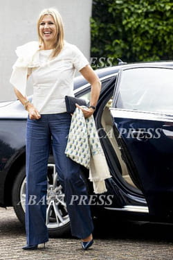 maxima-pays-bas-16-juin-2020-jeans