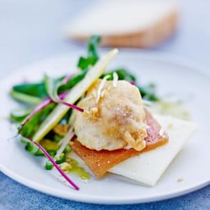 beignet de brebis à la pâte de coing et son croustillant