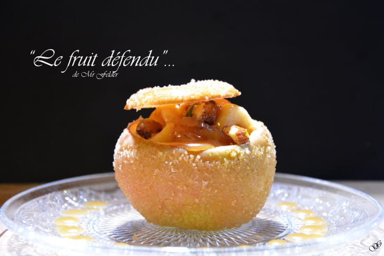 Pomme farcie aux pistaches, noix, amandes, figues dattes et sauce au caramel