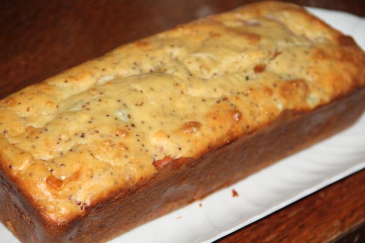 Cake jambonneau, emmental, cornichons, moutarde à l'ancienne