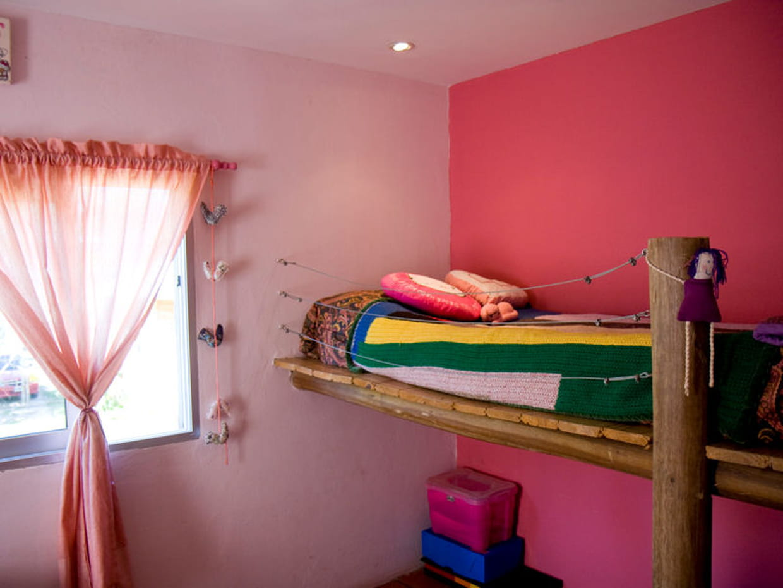 lit mezzanine en rondin. Black Bedroom Furniture Sets. Home Design Ideas