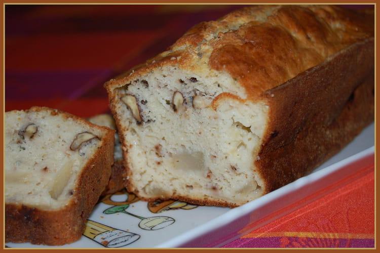 Cake aux poires,  bleu et noix