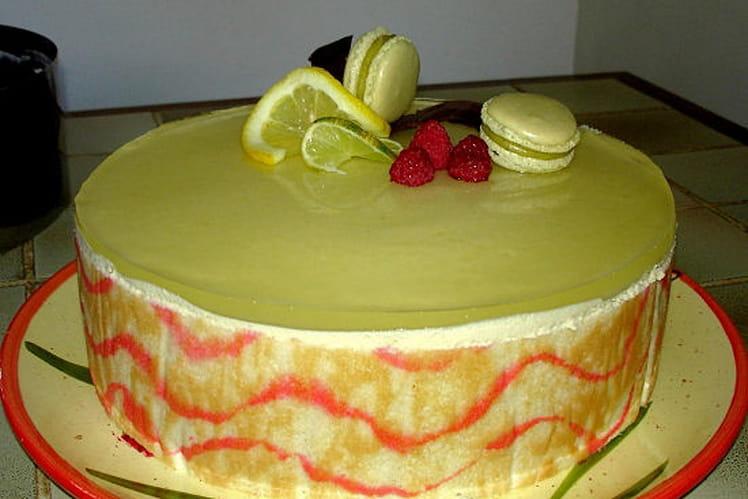 Entremet thé vert au citron, framboises et lychees