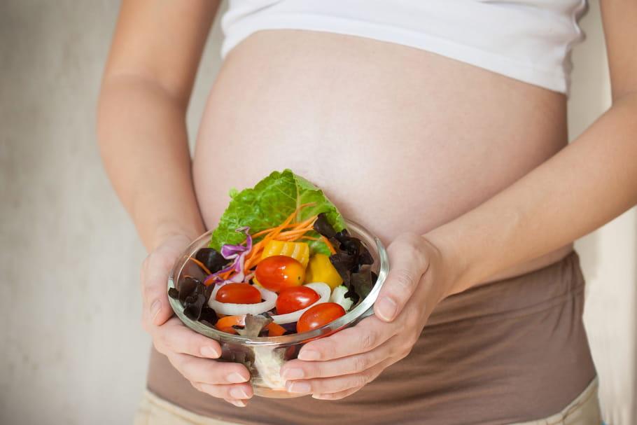 Grossesse: le vrai-faux de l'alimentation