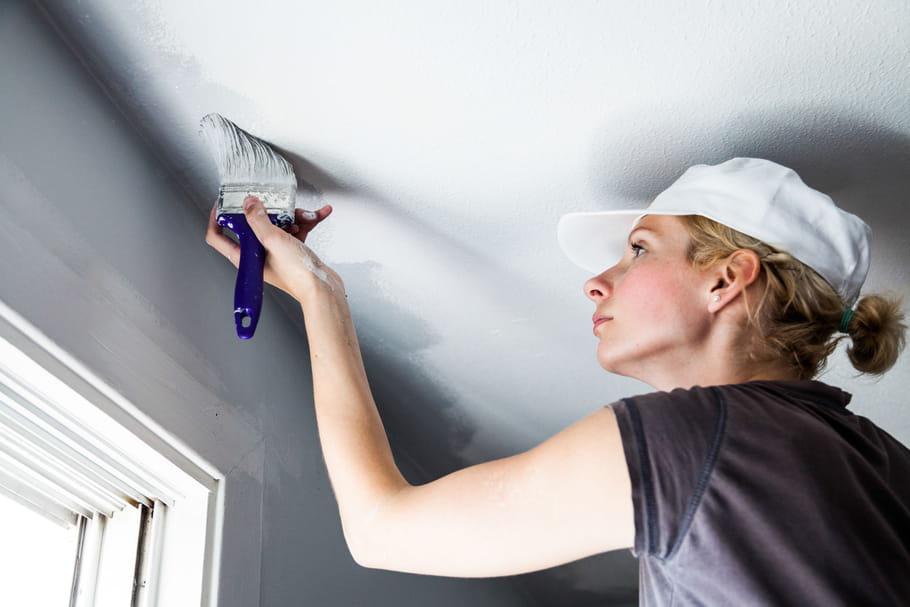 Comment peindre un plafond?