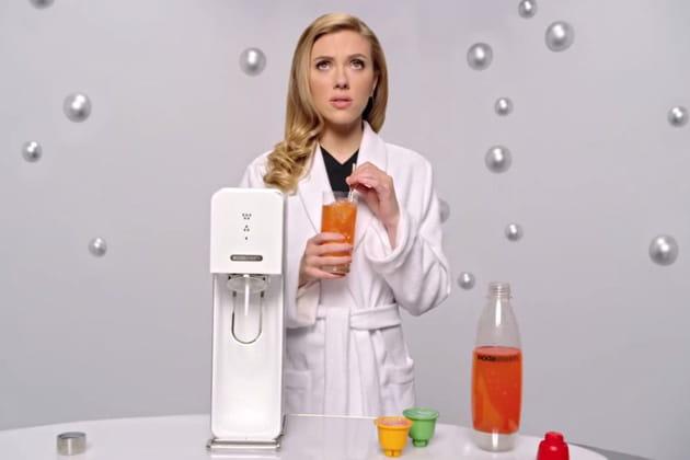 Scarlett Johansson bulle avec Sodastream