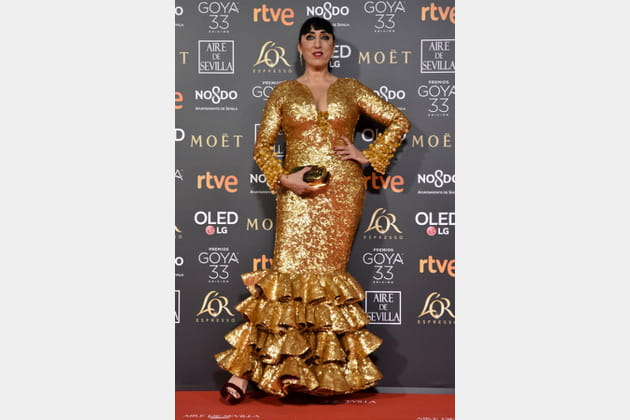 FLOP: Rossy de Palma avec une robe dorée