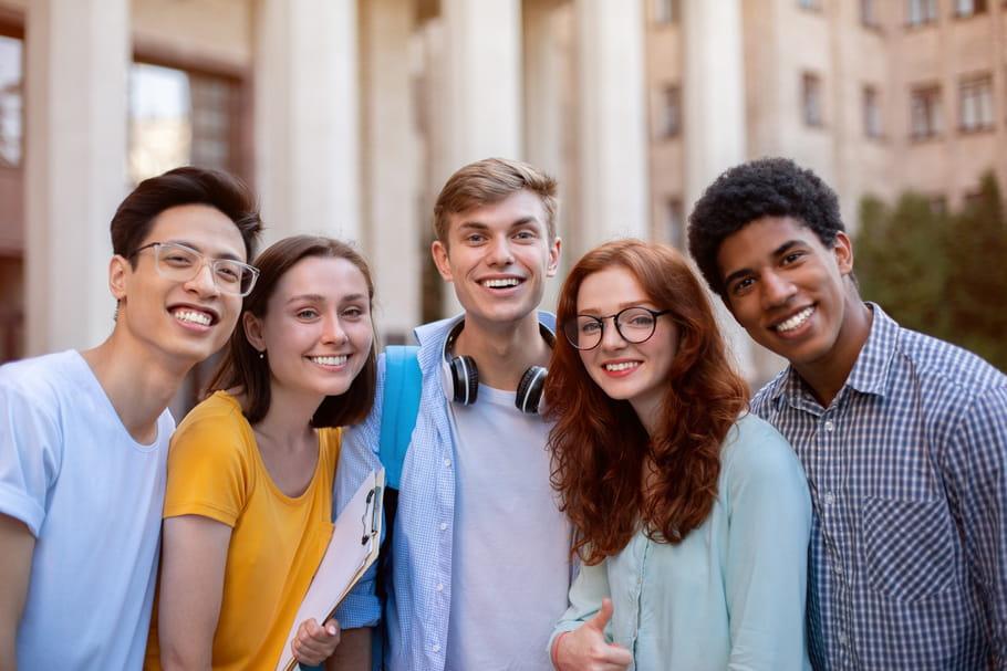 Tenues correctes au lycée: le sondage de l'IFOP fait polémique