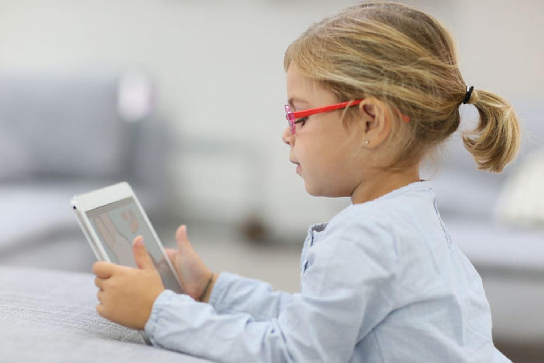 Tablettes : mieux vaut les éloigner des enfants