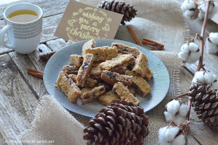 Biscuits bâtonnets moelleux aux noix et chocolat