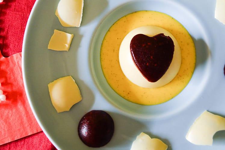 Panna cotta vanillé, coeur de framboises sous dôme au chocolat blanc
