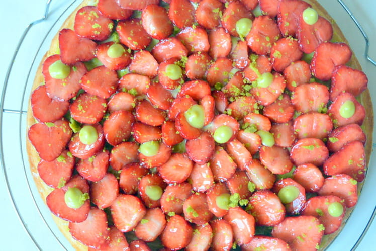 Tarte fraise-pistache sur sablé breton