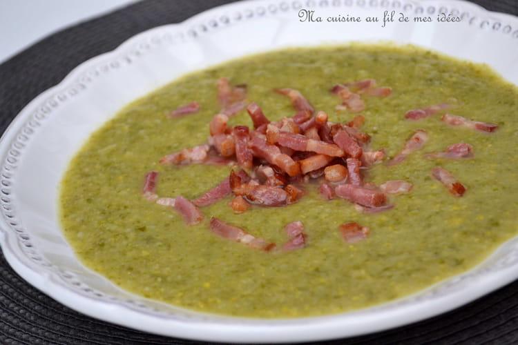 Soupe aux choux de bruxelles laitue ma s et lardons fum s - Comment cuisiner des choux de bruxelles en boite ...