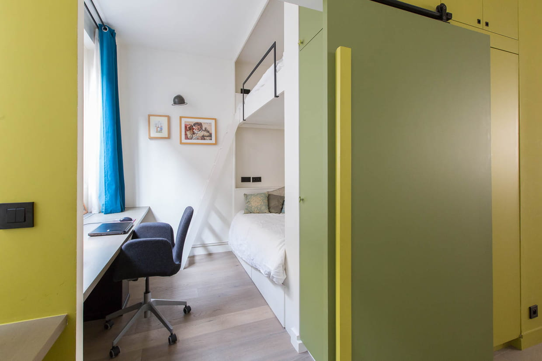 porte gain de place. Black Bedroom Furniture Sets. Home Design Ideas