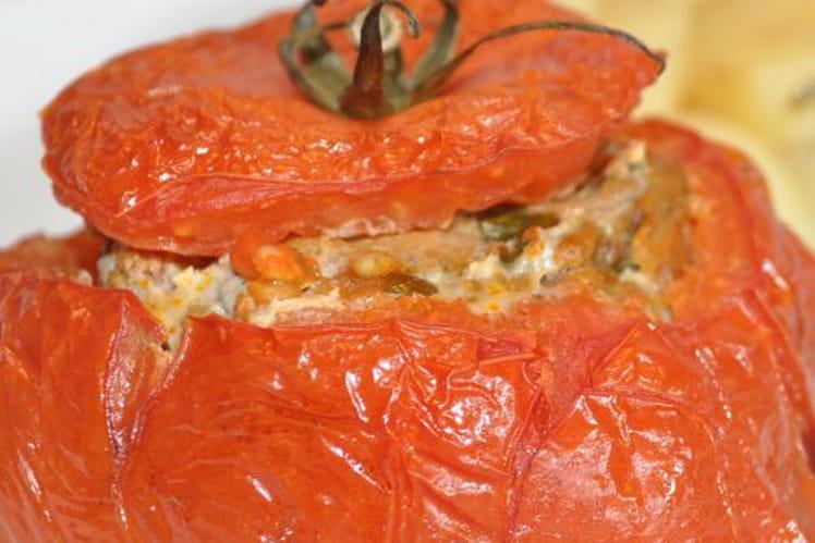 Tomate farcie à la viande hachée