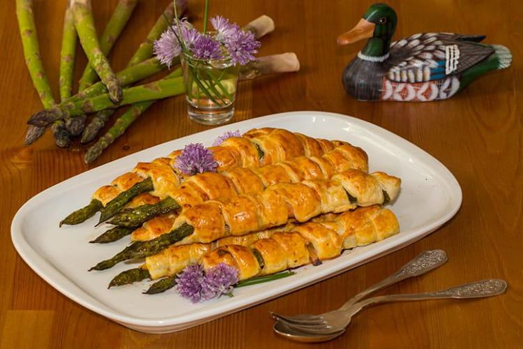 Feuilletés d'asperges vertes au saumon