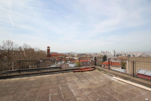 Avant : une terrasse laissée à l'abandon