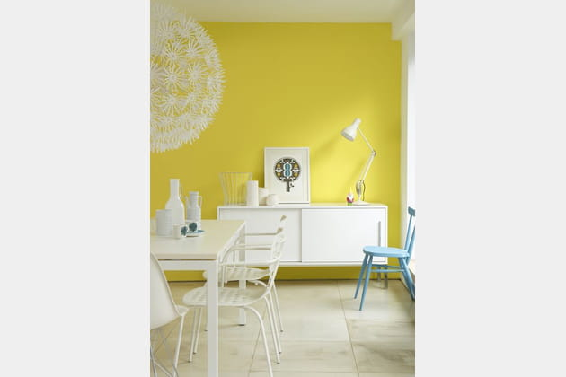 Un salon jaune pétillant