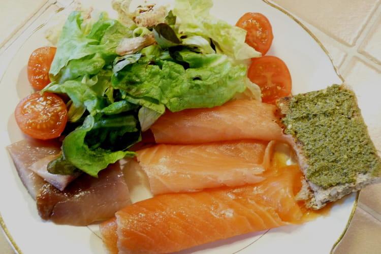Assiette de la mer au saumon, truite et hareng