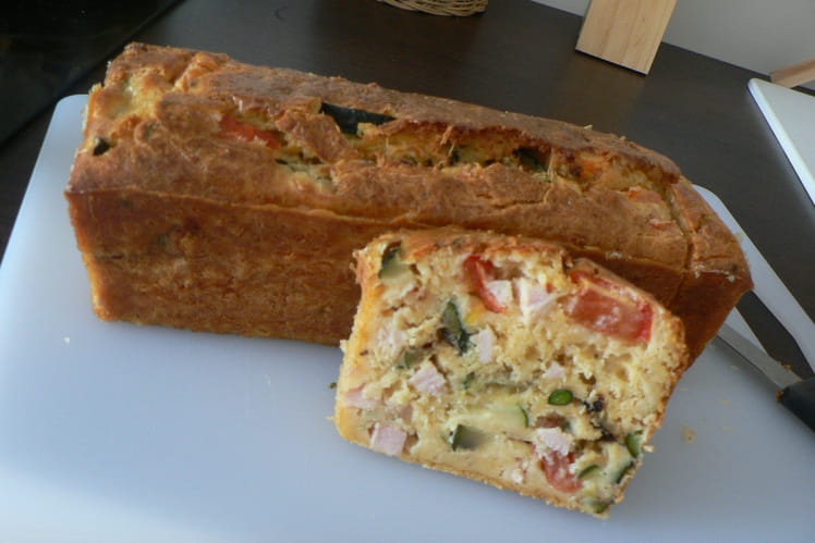 Cake moelleux poulet, courgettes, tomates