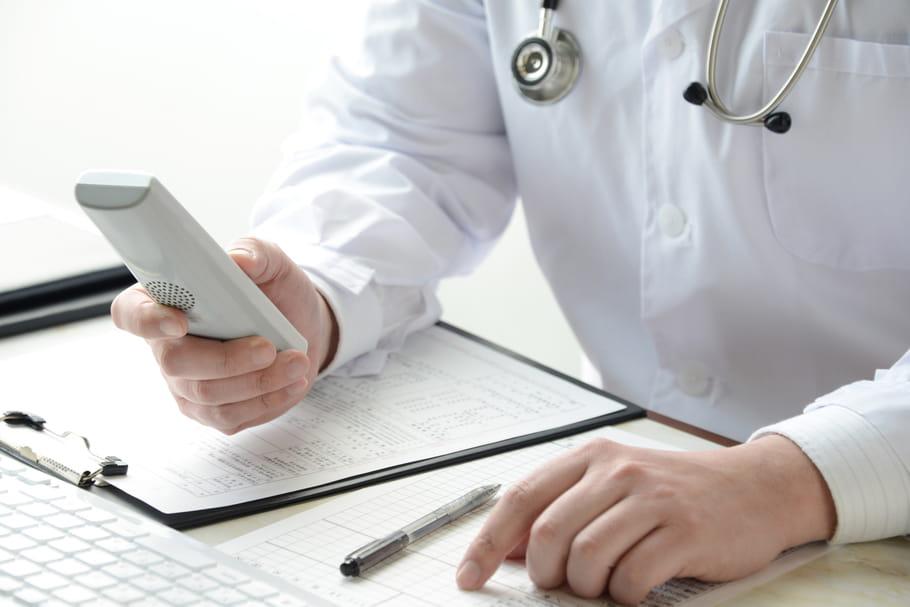 Consultation par téléphone : une offre d'AXA inquiète l'Ordre de Médecins