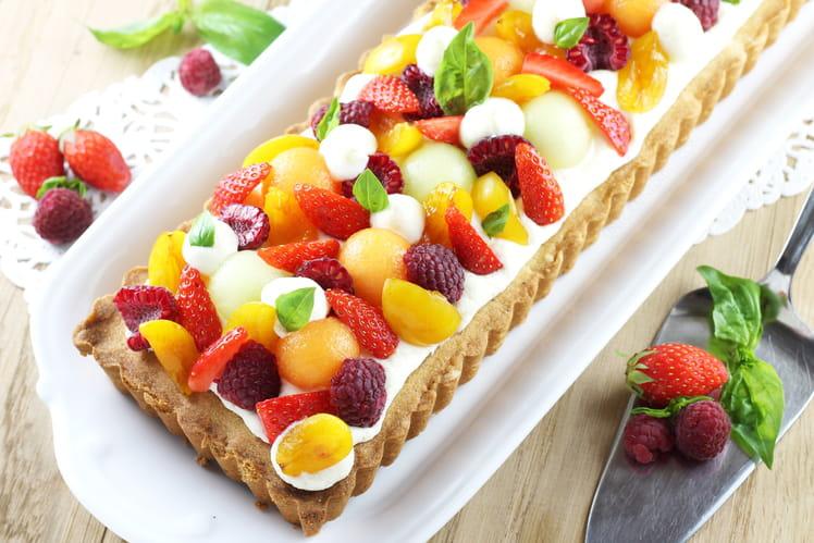 Tarte sablée à la mousse légère au chocolat blanc et aux fruits d'été