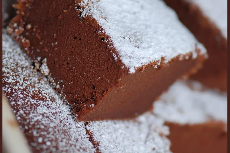 Fondant au chocolat noir et petits suisses