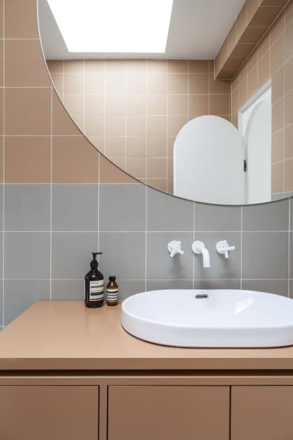 Une salle de bains nude