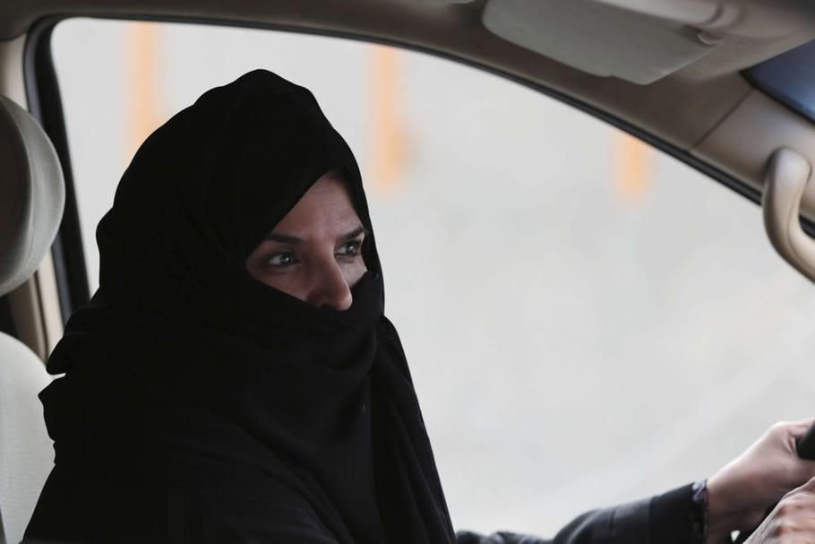 Les premiers permis de conduire délivrés aux saoudiennes