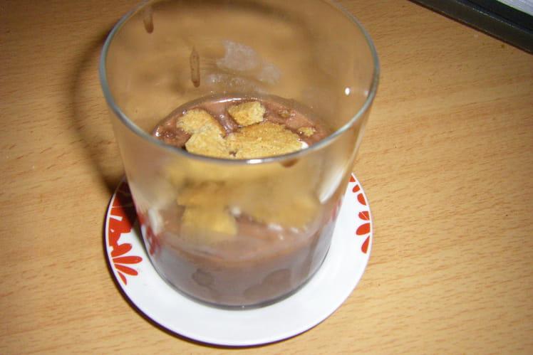 Chocolat liégeois aux macarons