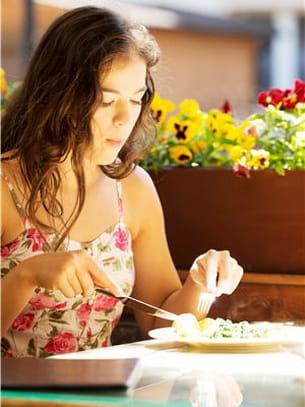 mâchez bien vos aliments pour ne pas avaler d'air.