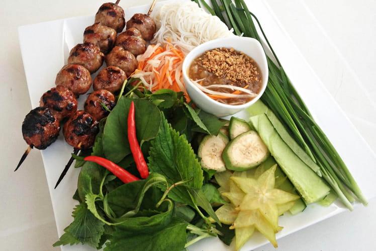 Nem Nuong boulettes de porc vietnamiennes