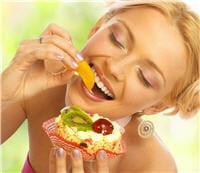 bien manger le matin,moyennement à midi et léger le soir.