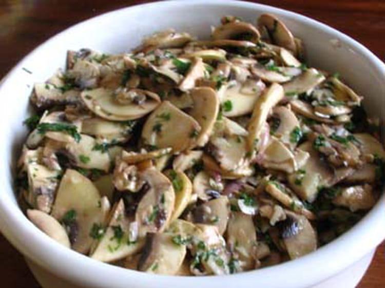 Recette de salade de champignons de paris la recette facile - Comment cuisiner des champignons de paris frais ...