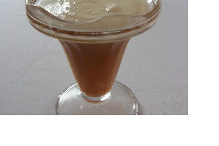 Gelée d'ananas et framboise à la mousse de coco