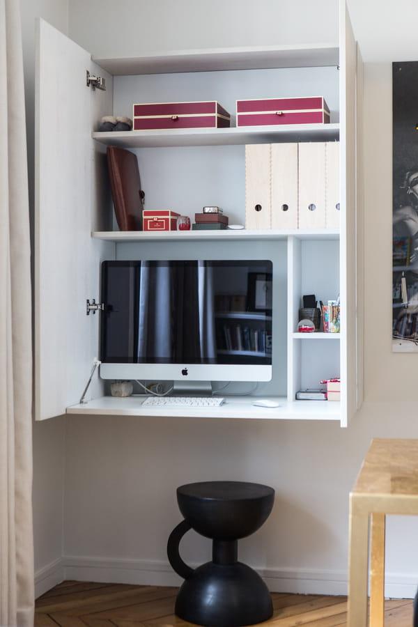petit-bureau-encastre-etageres