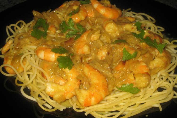 Spaghettis sauce crevettes-coco