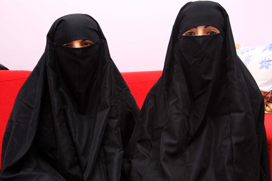 Le Maroc interdit la fabrication et la vente de la burqa
