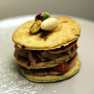 mille-feuille de foie gras, figue, poire et ses mendiants aux pistaches
