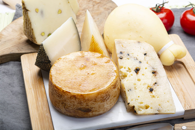 Tout sur les fromages: les choisir, les conserver, les cuisiner...