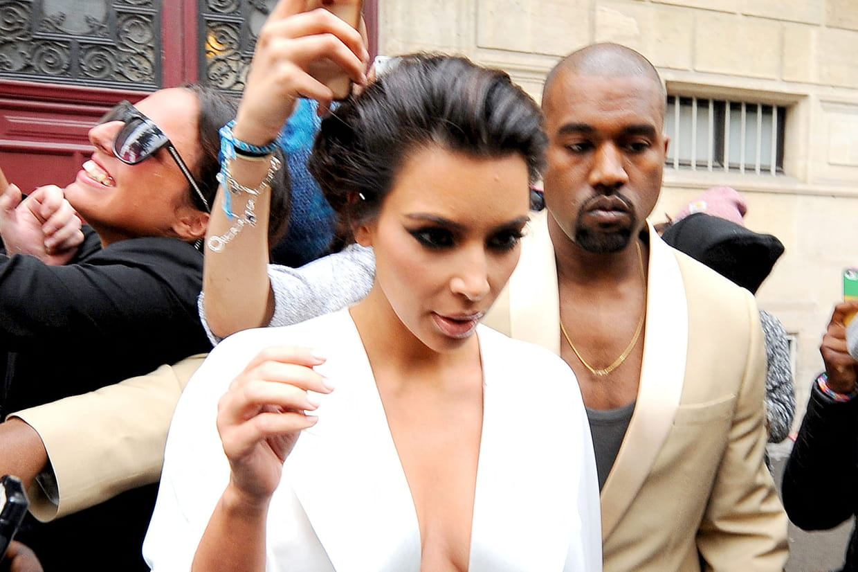 Kim Kardashian Avec Son Chignon De Deesse