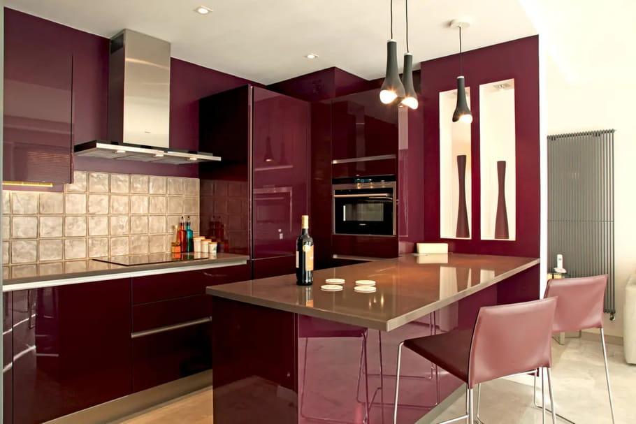 Cuisine violette: conseils et idées déco pour inviter le violet en cuisine