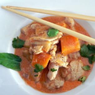 poulet, potimarron et aubergine au curry rouge